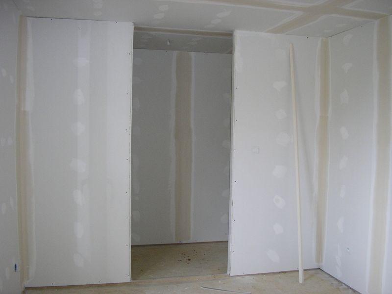 construire avec maison phenix notre histoire fabriquer un dressing. Black Bedroom Furniture Sets. Home Design Ideas